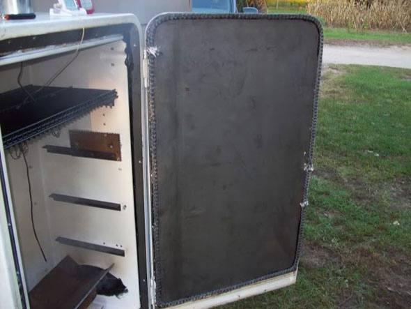 Самодельная коптильня из холодильника своими руками 7